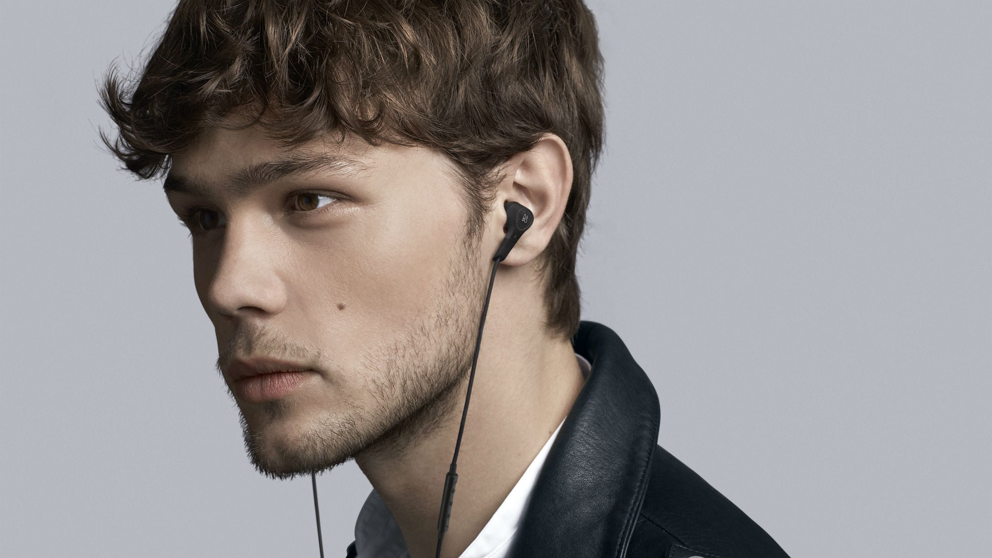 43a5c23c9b2 Beoplay E4 might be the stealthiest noise-cancelling earphones around