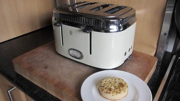 Russell Hobbs Retro 4 Slice Toaster 11