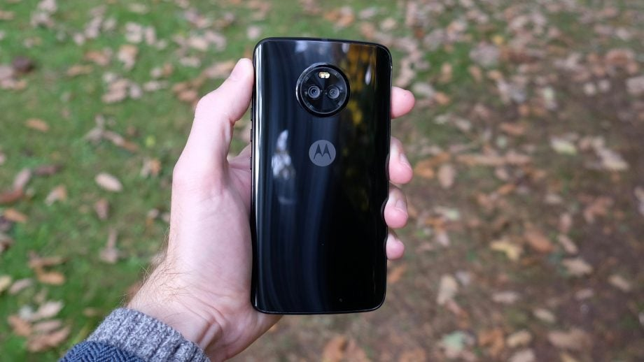 Moto X4 Review: Worth the money or should you wait for the