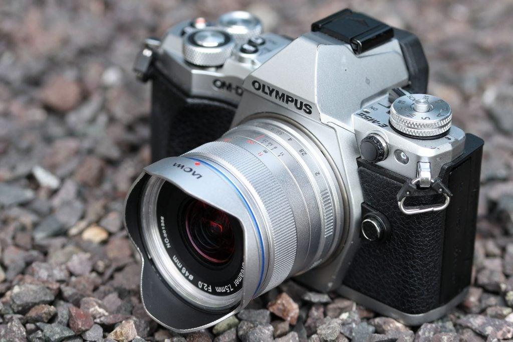 Laowa 7.5mm f/2 MFT hood2