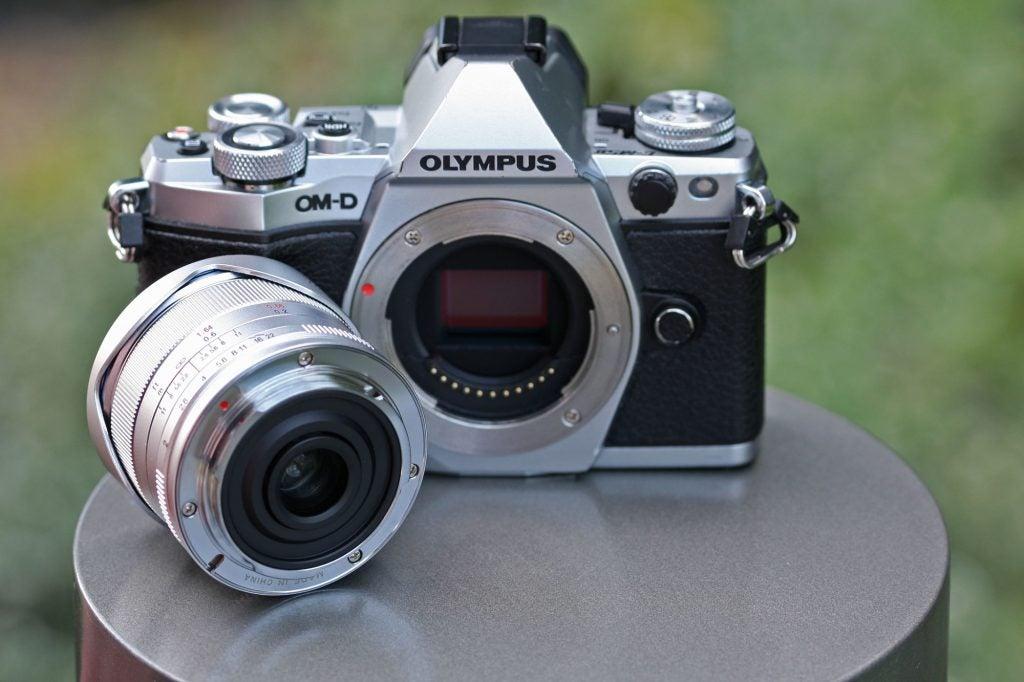 Laowa 7.5mm f/2 MFT mount