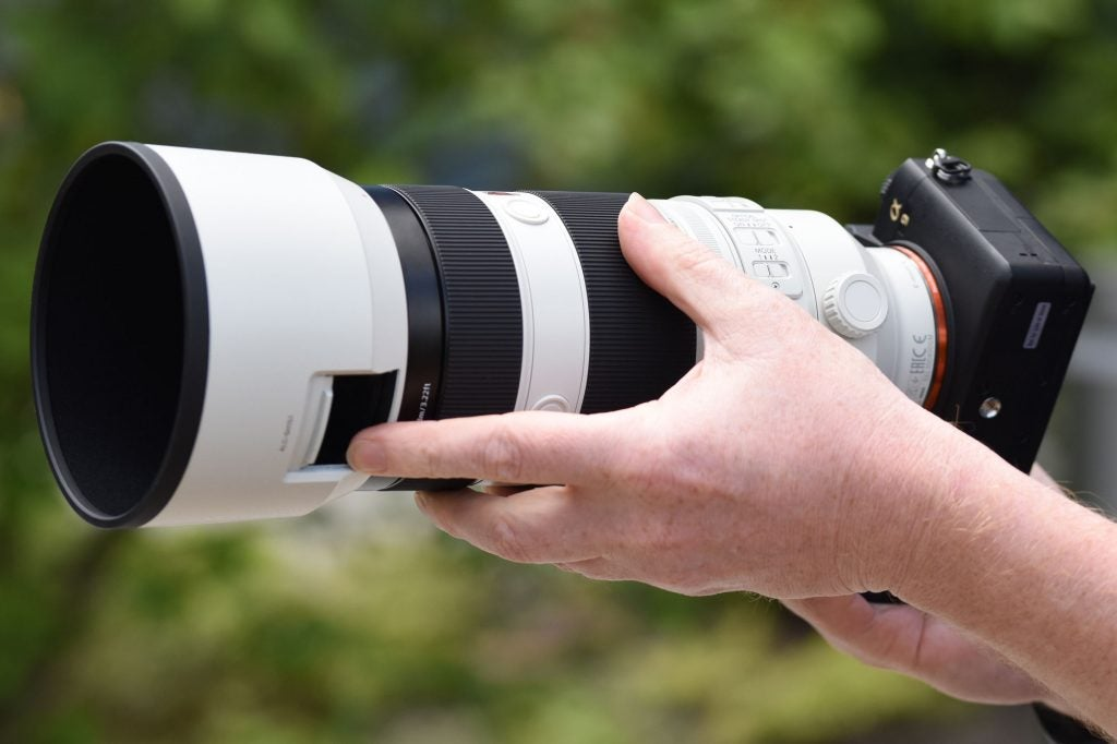 Sony 100-400mm GM filter cut-out