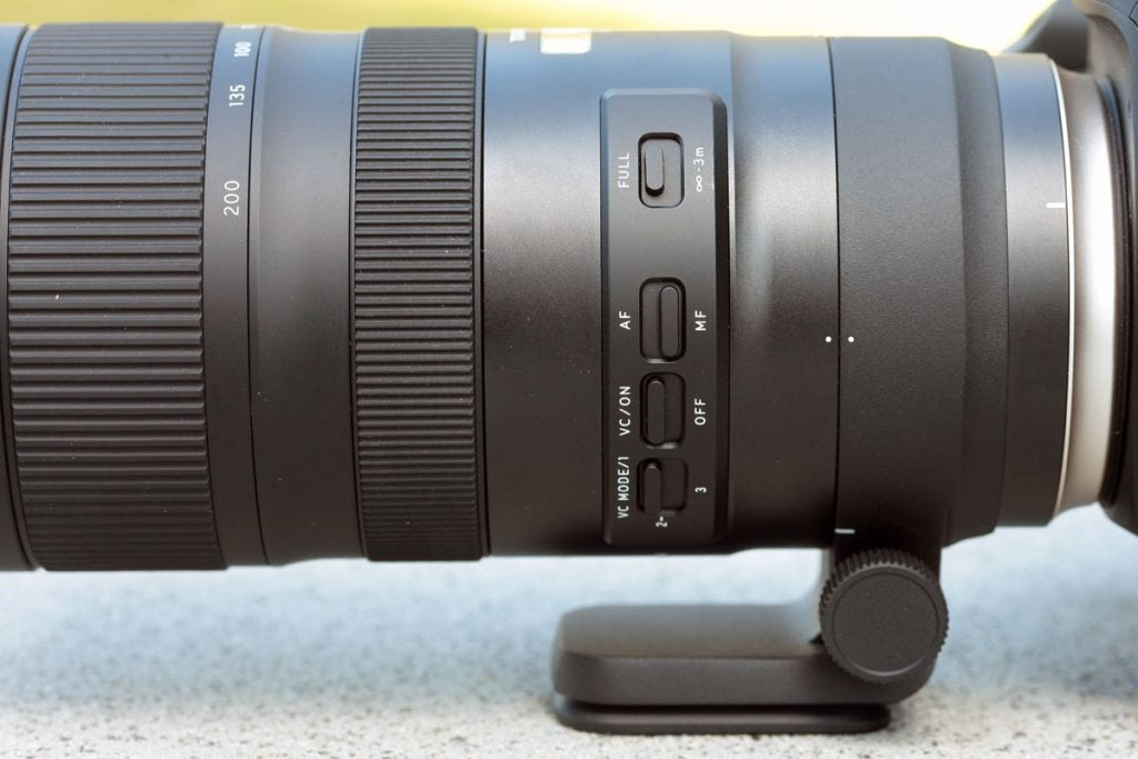 Tamron 70-200mm F/2.8 G2 control switches