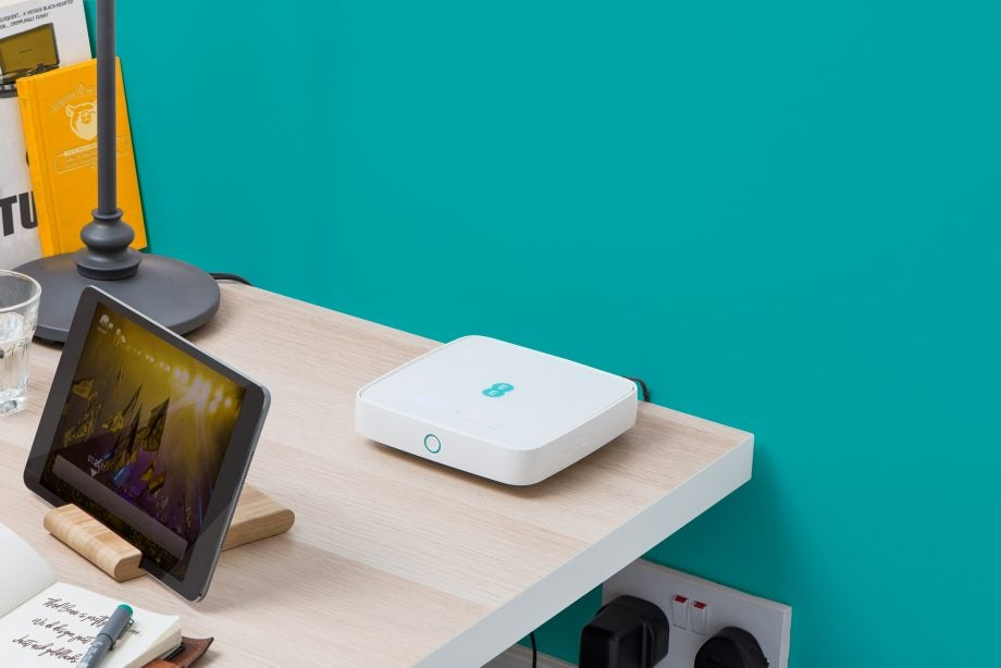 Ee S 4g Home Router Offers 90mbps Connections At A Hefty