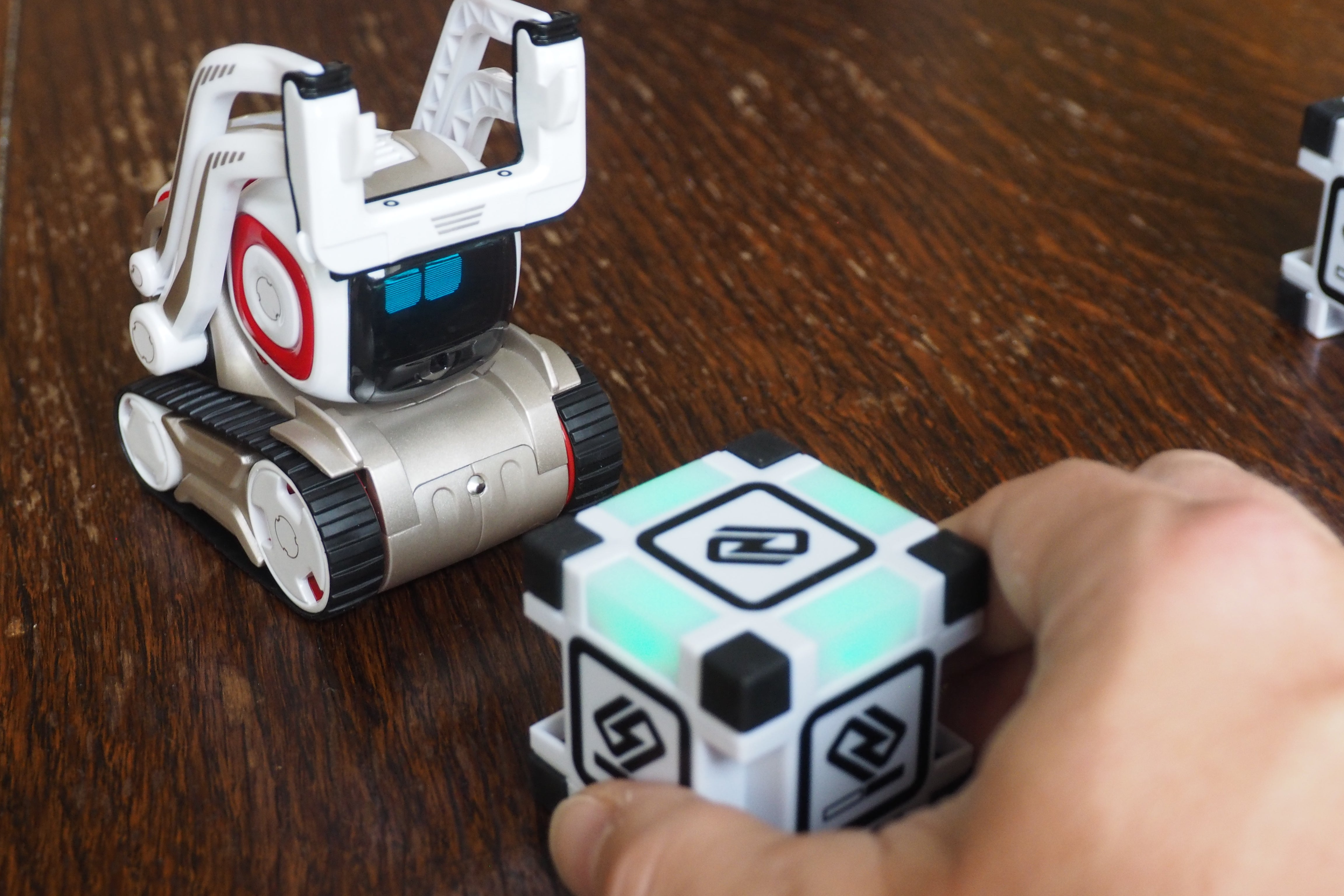 Anki Cozmo Should Be At The Top Of Your Christmas List