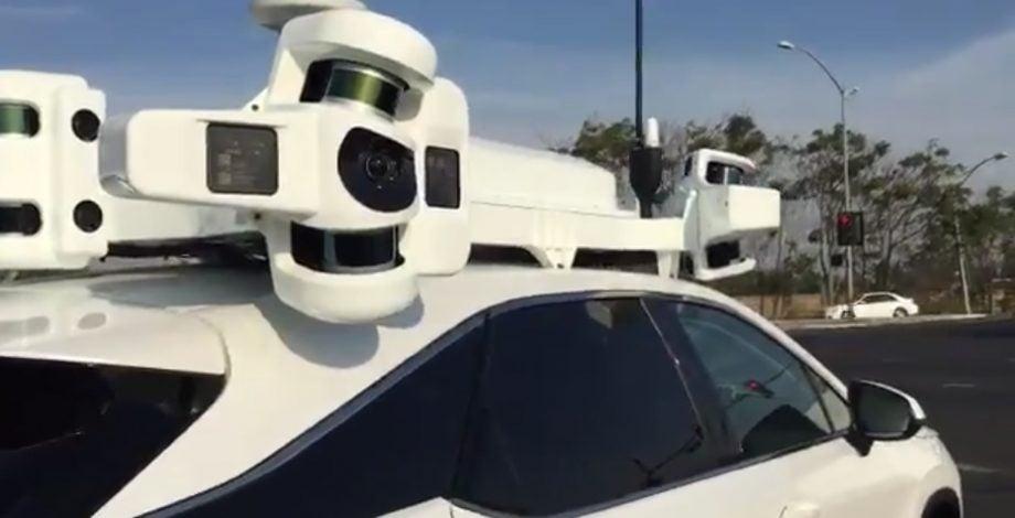 Apple Car Roof Array