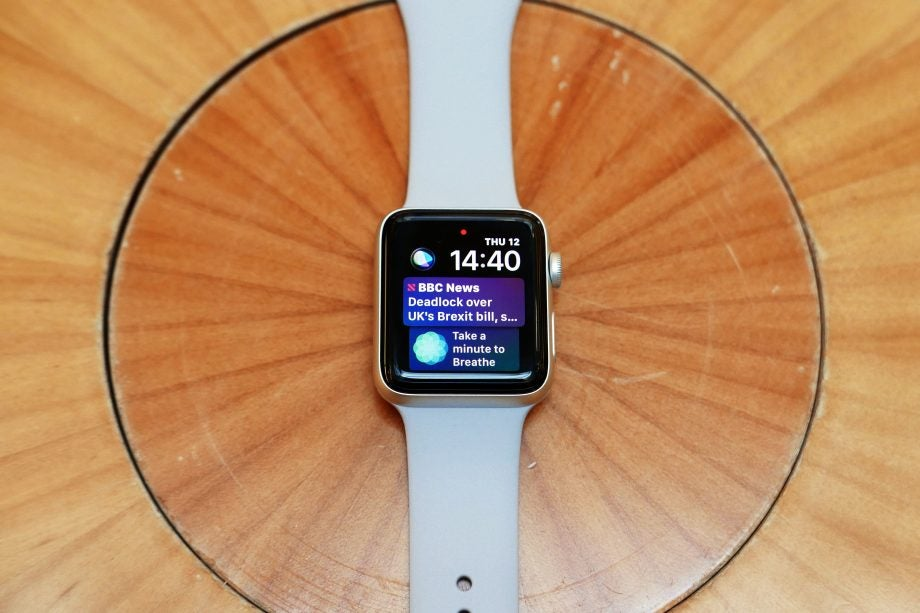'Apple Watch Series 3' from the web at 'http://ksassets.timeincuk.net/wp/uploads/sites/54/2017/10/Lead-920x613.jpg'