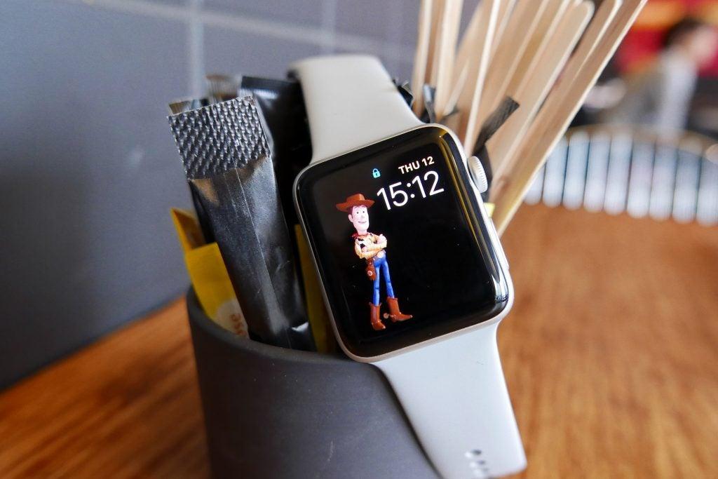 Apple Watch Series 3. | Women and Men's