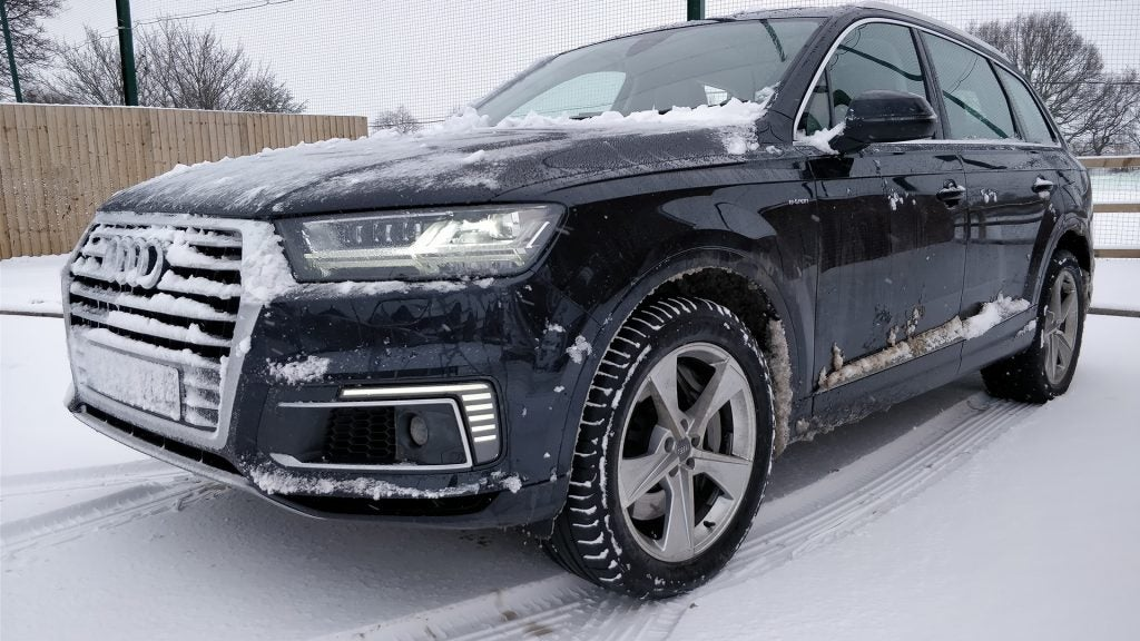 audi q7 e tron the hybrid revolution just got its own superhero gearopen. Black Bedroom Furniture Sets. Home Design Ideas