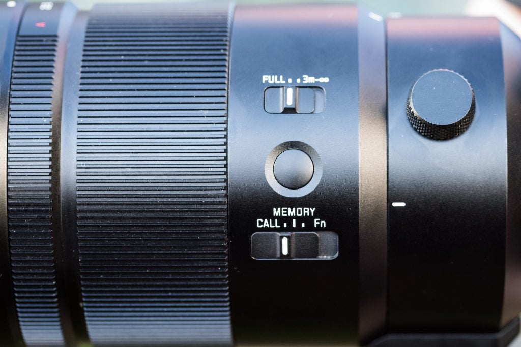 Panasonic Leica DG Elmarit 200mm f/2.8 Power O.I.S.