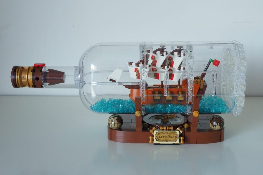 ' ' from the web at 'http://ksassets.timeincuk.net/wp/uploads/sites/54/2018/01/LEGO-Ideas-Ship-in-a-Bottle-21313-1-920x613.jpg'