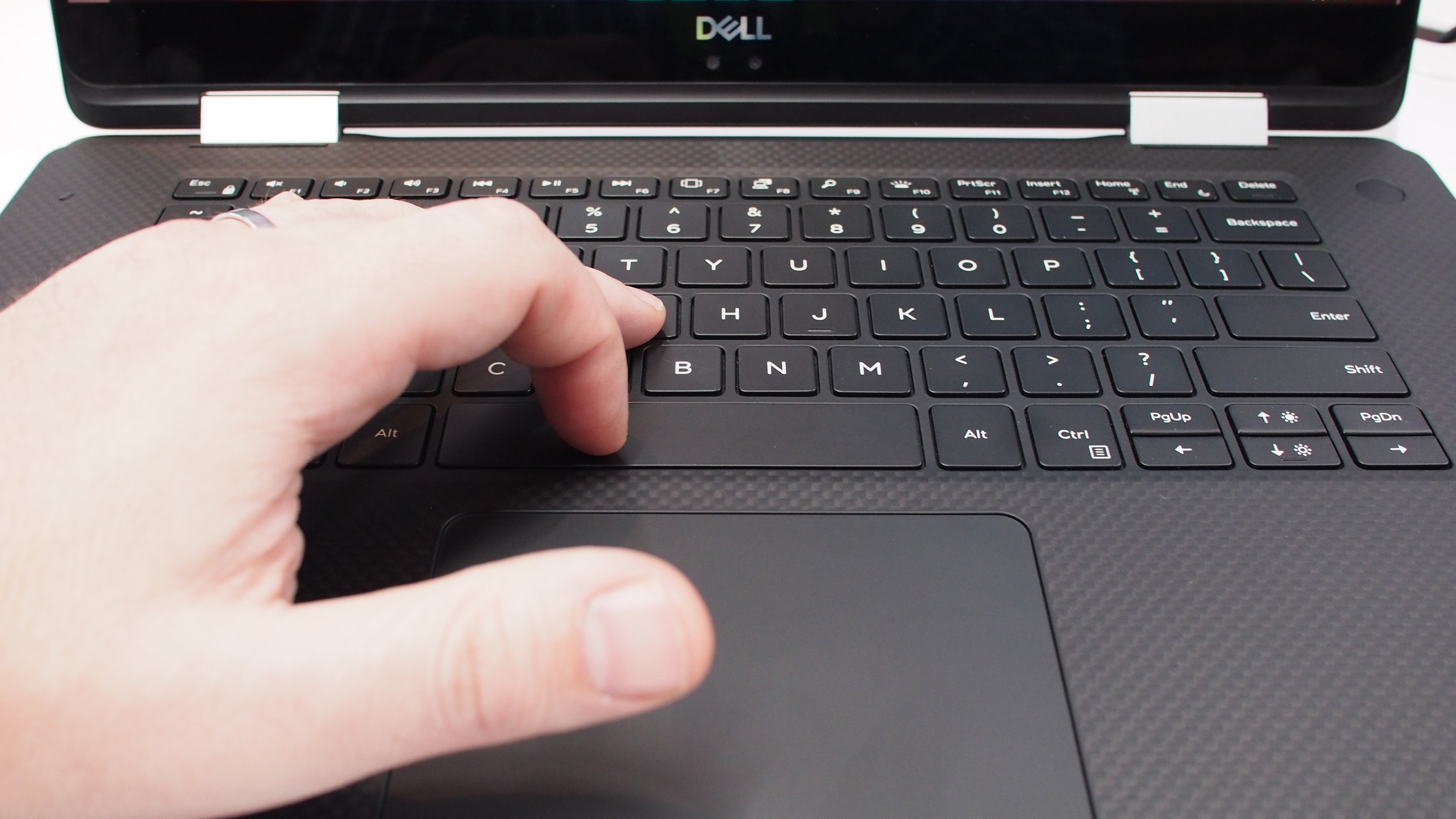Dell XPS 15 2-in-1 maglev keyboard