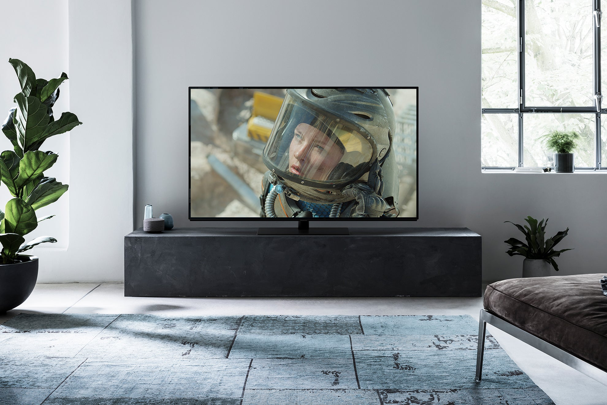 Panasonic FZ802/FZ800 OLED Review | Trusted Reviews