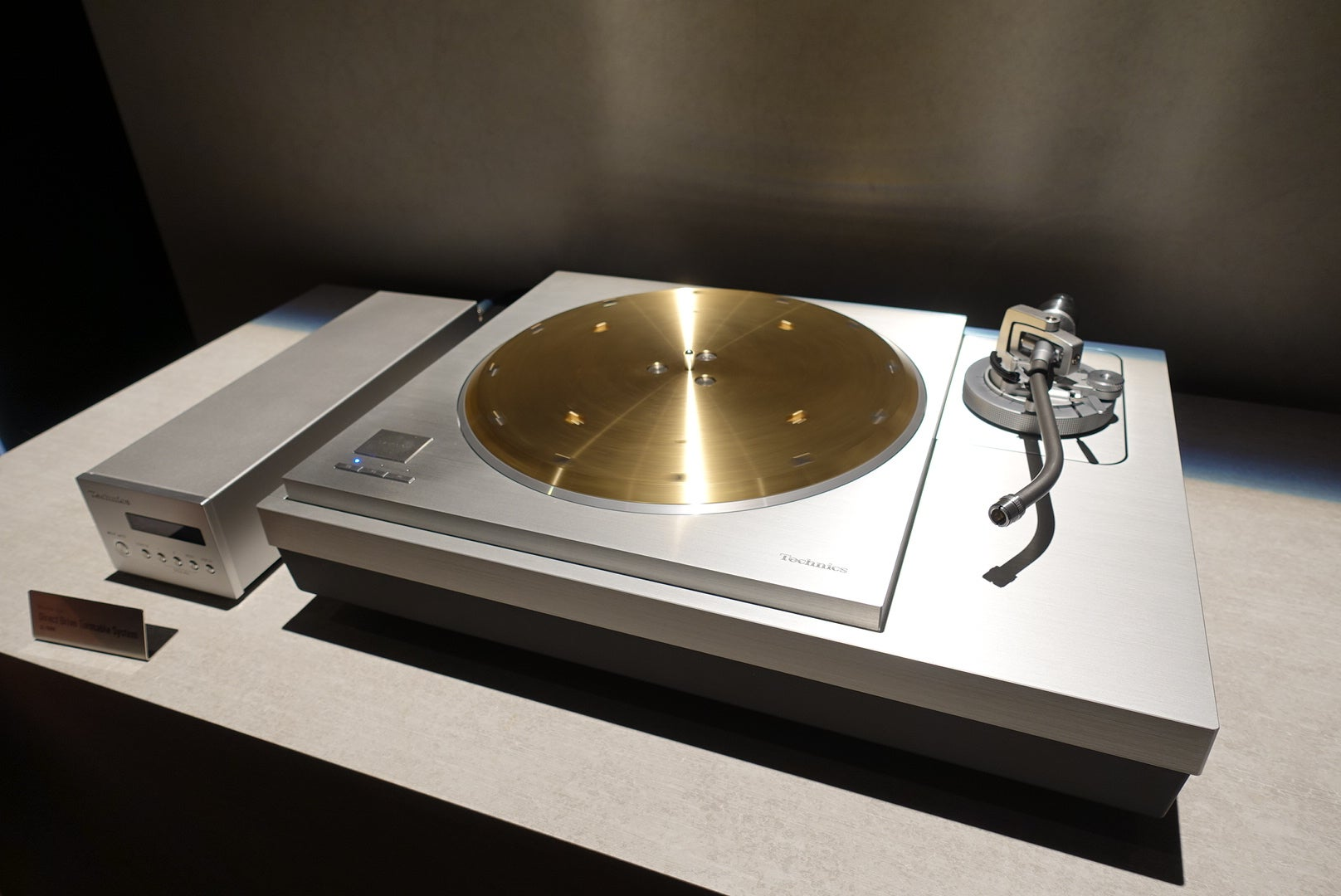 Technics Sl 1000r Is The Ultimate Direct Drive Turntable