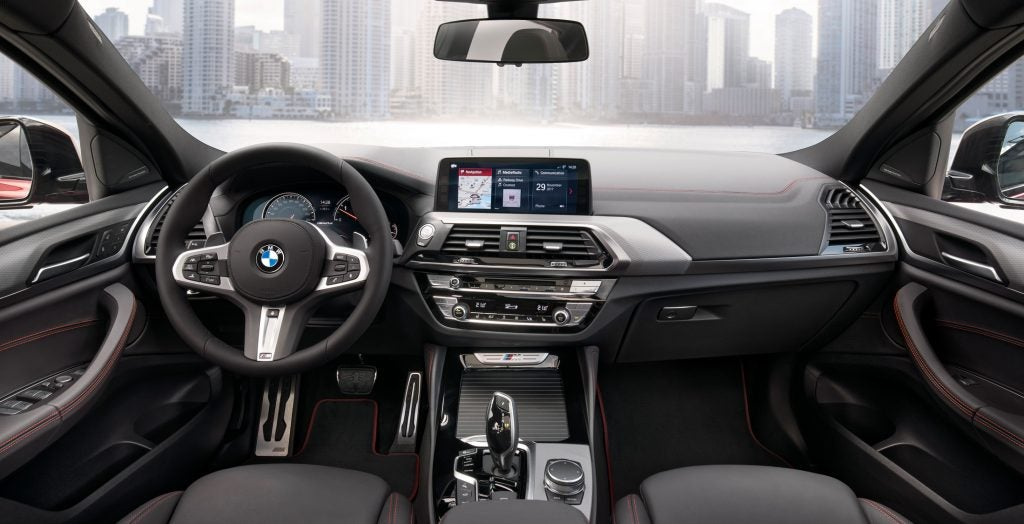 BMW X4 2019 delivers a sportier look and a massive heads-up