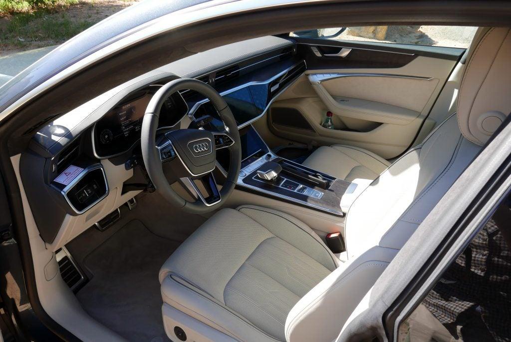 Audi A7 Sportback 2018 Test Driving Audi S Smartphone