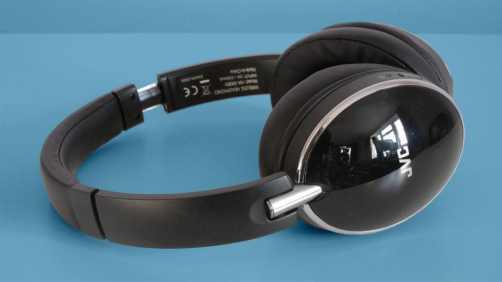 JVC HA-S90BN – Design and comfort 0c60cc223b