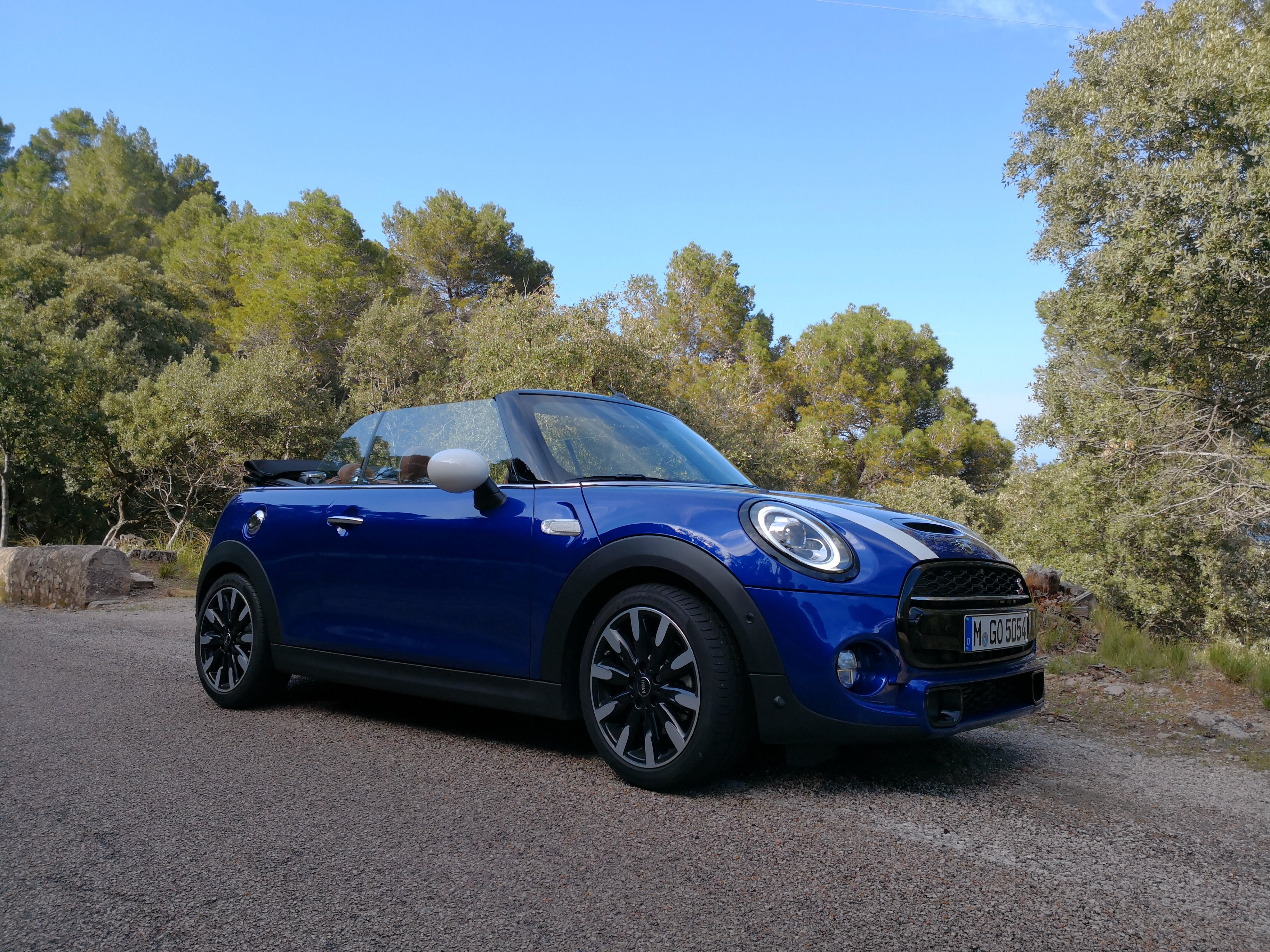 new 2018 mini models first drive of the latest cooper s hatch and convertible gearopen. Black Bedroom Furniture Sets. Home Design Ideas