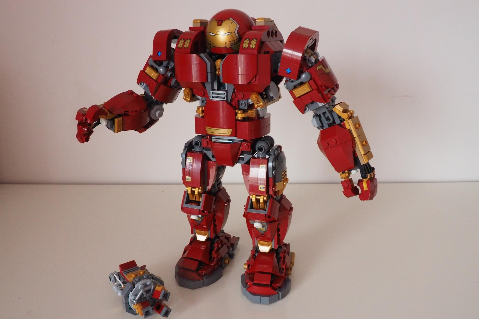 LEGO Hulkbuster Ultron Edition What Do You Get