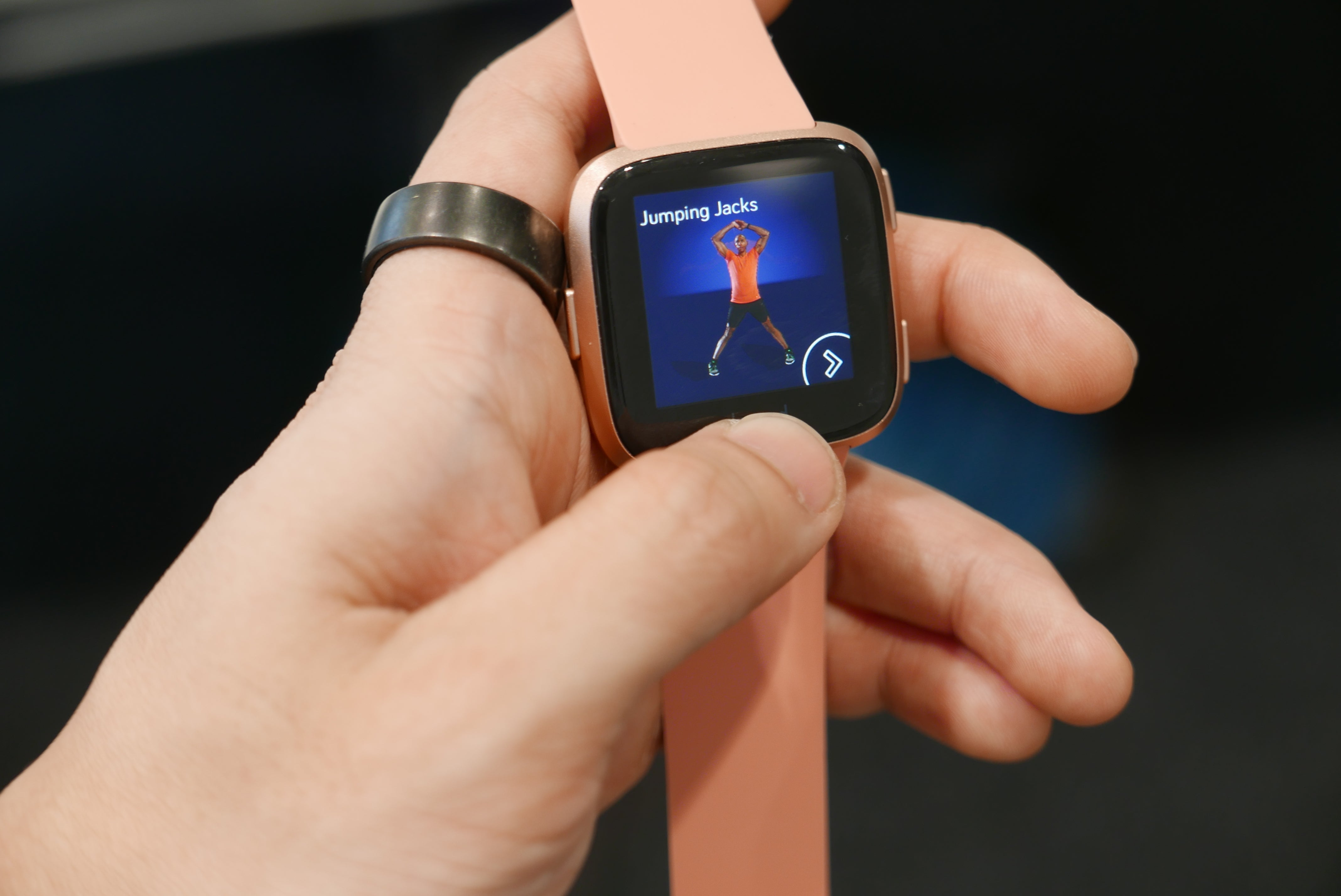 Fitbit Versa vs Fitbit Ionic: Which is the smartwatch for