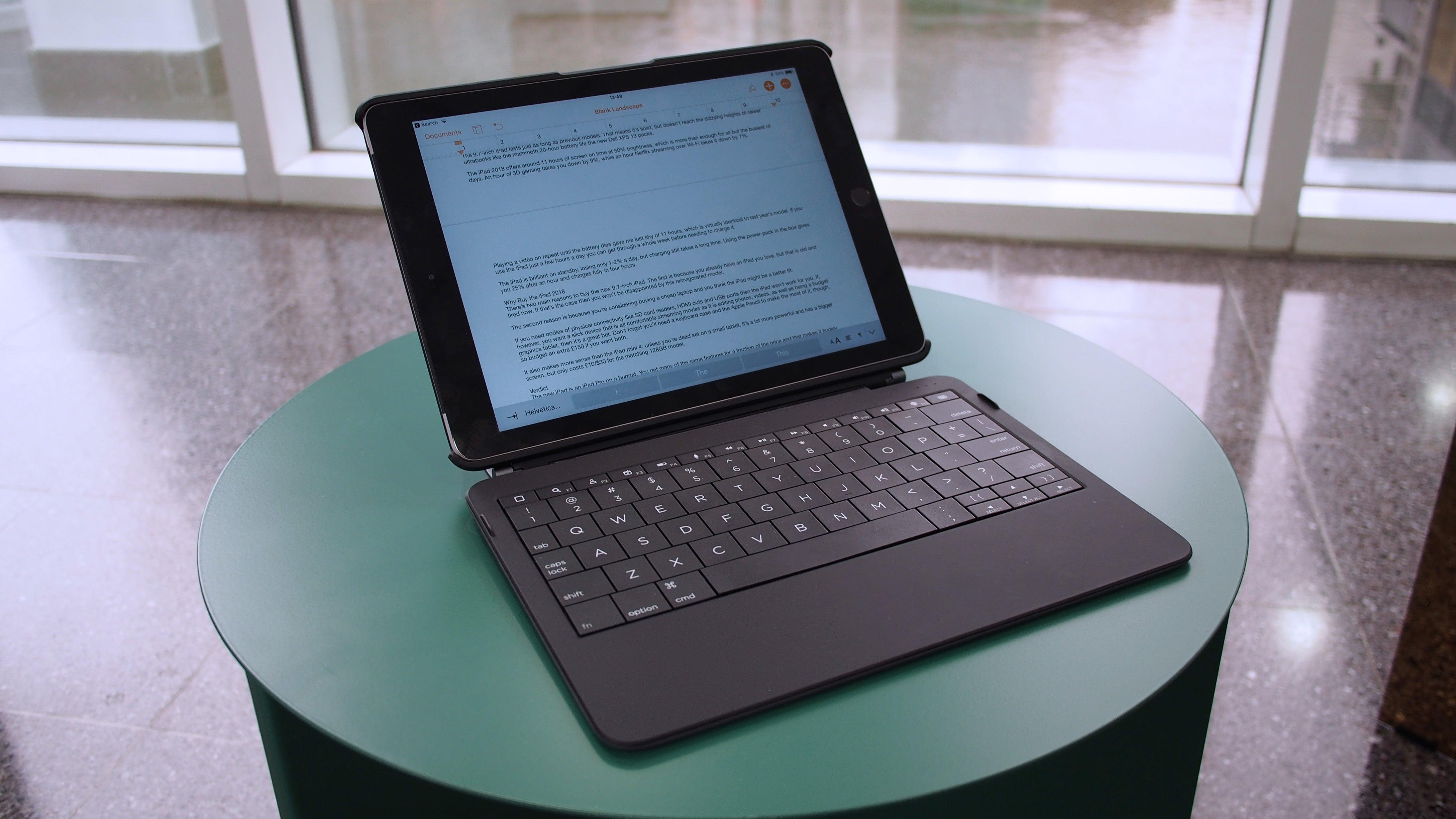 9.7-inch iPad 2018 keyboard