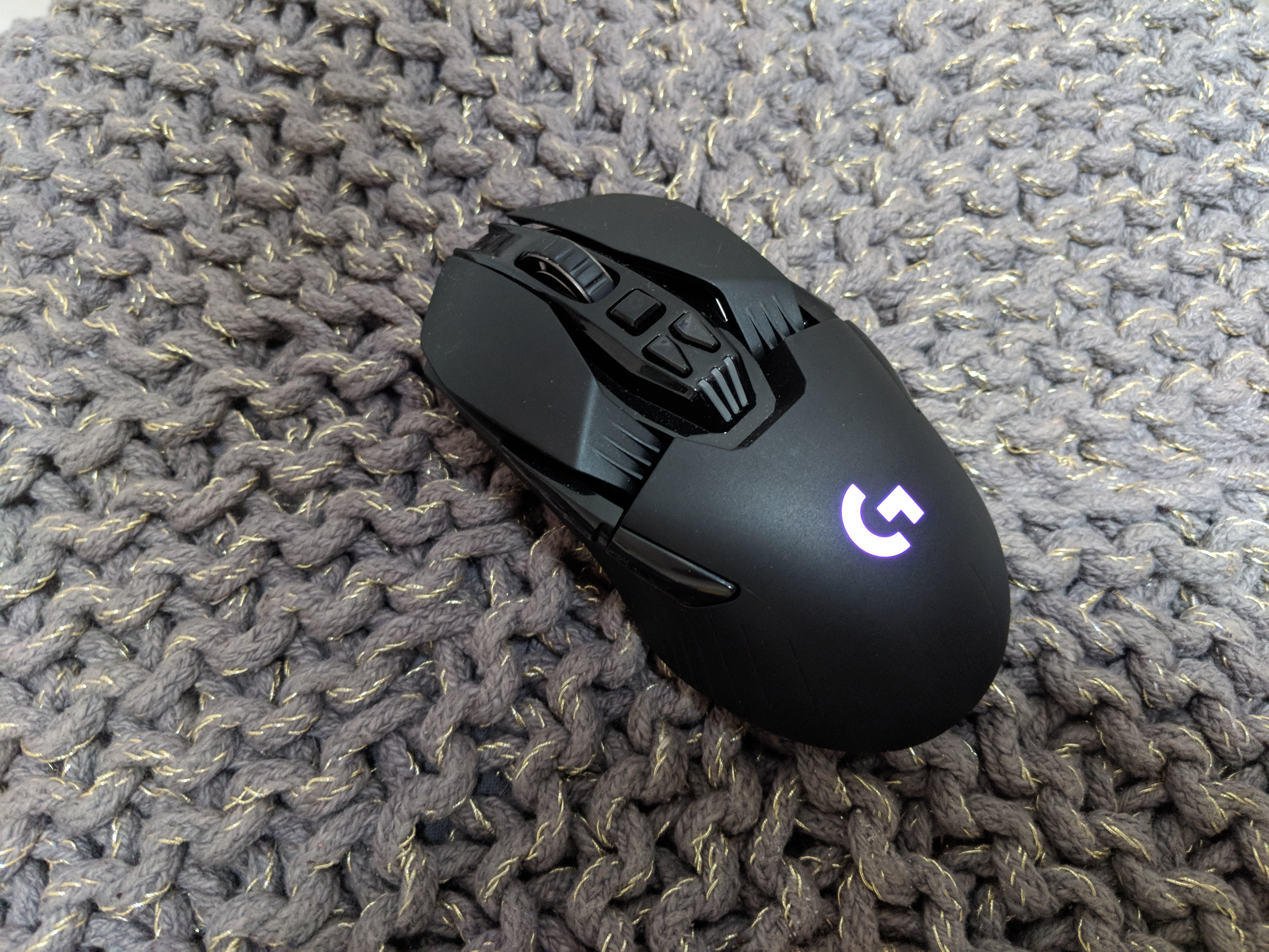 best gaming mouse 2019 13 top notch wired and wireless mice trusted reviews. Black Bedroom Furniture Sets. Home Design Ideas