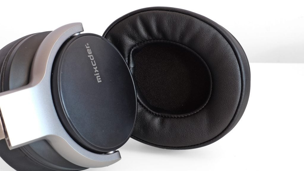 Mixcder E7 review – great wireless and noise cancelling headphones