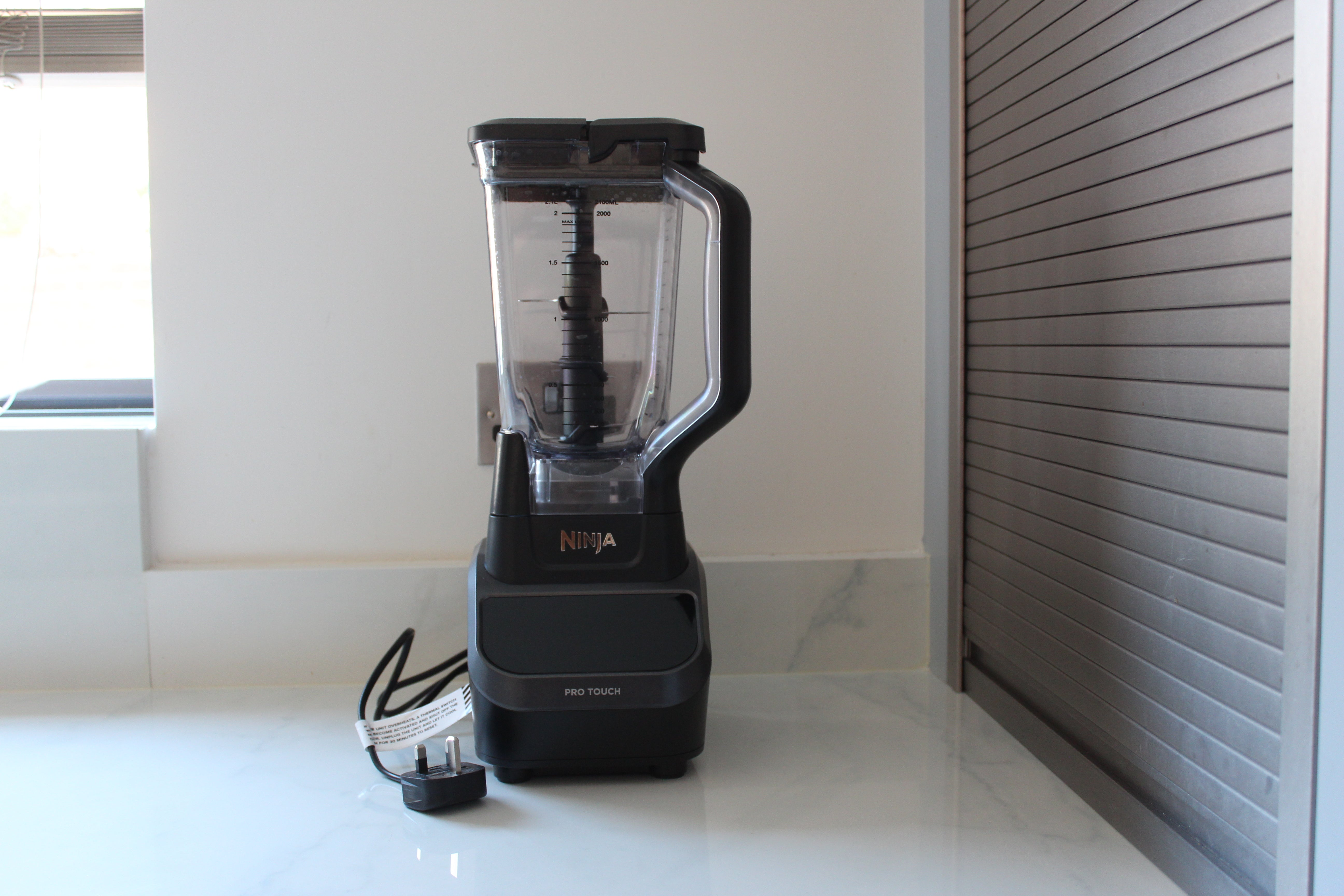 Ninja Multi-Serve Touchscreen Blender CT610UK – Design and features