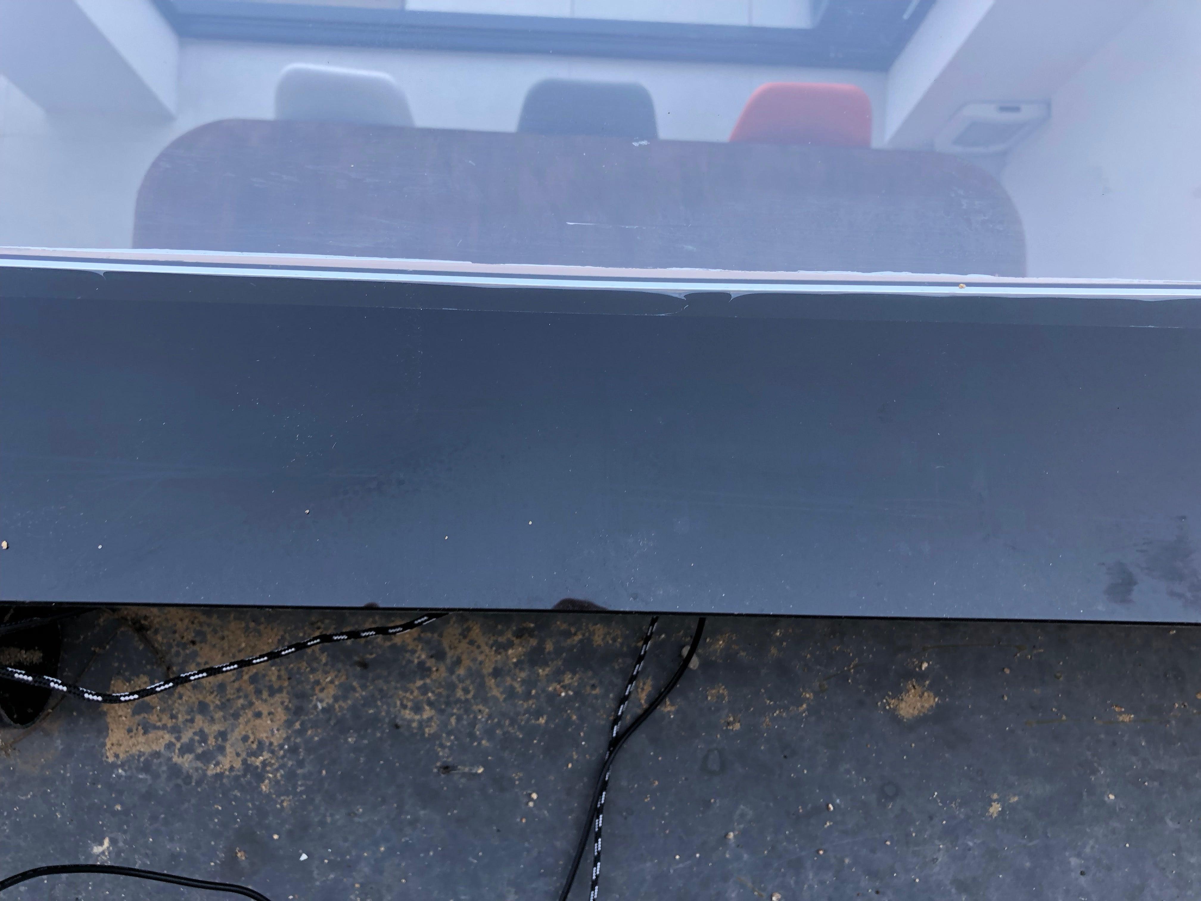 Alfawise WIN660 Robotic Window Cleaner clean window
