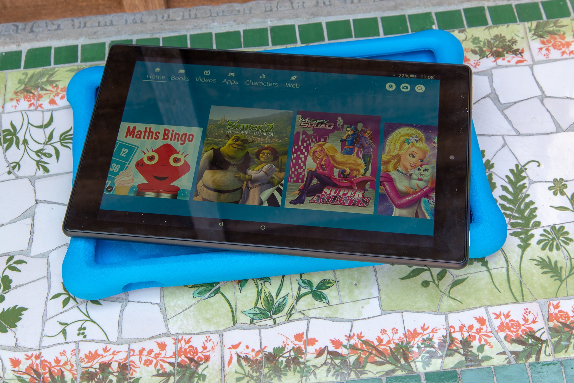 Amazon Fire HD 10 Kids Edition 10 out of case