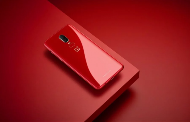 Iphone Xr Red Light Water Indicator: IPhone XR Vs OnePlus 6: Save Your Pennies?