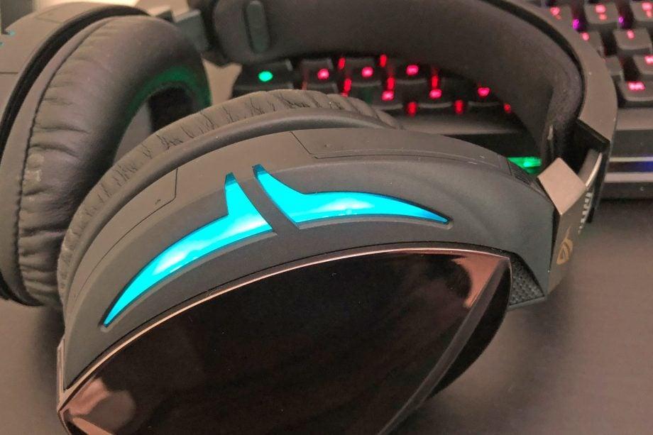 Asus ROG Strix 700 Review