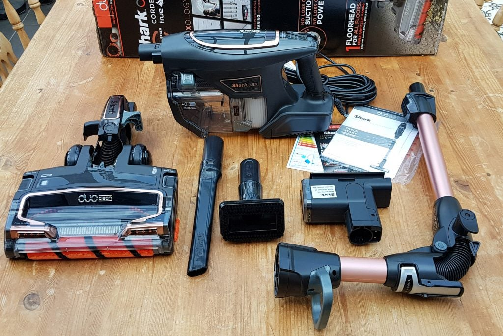 fbbc82b2cc7 Shark HV390UKT Duo-Clean TruePet Bagless Vacuum Cleaner Review ...