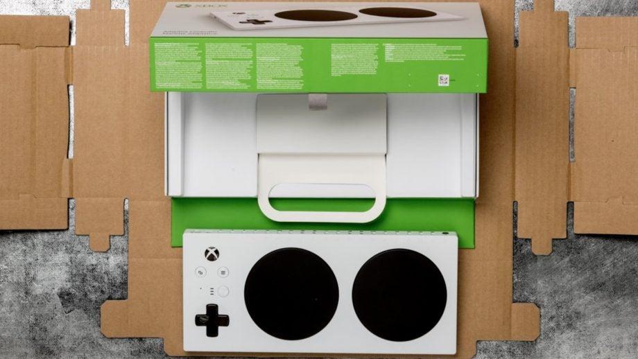 Xbox Adaptive Controller box Microsoft