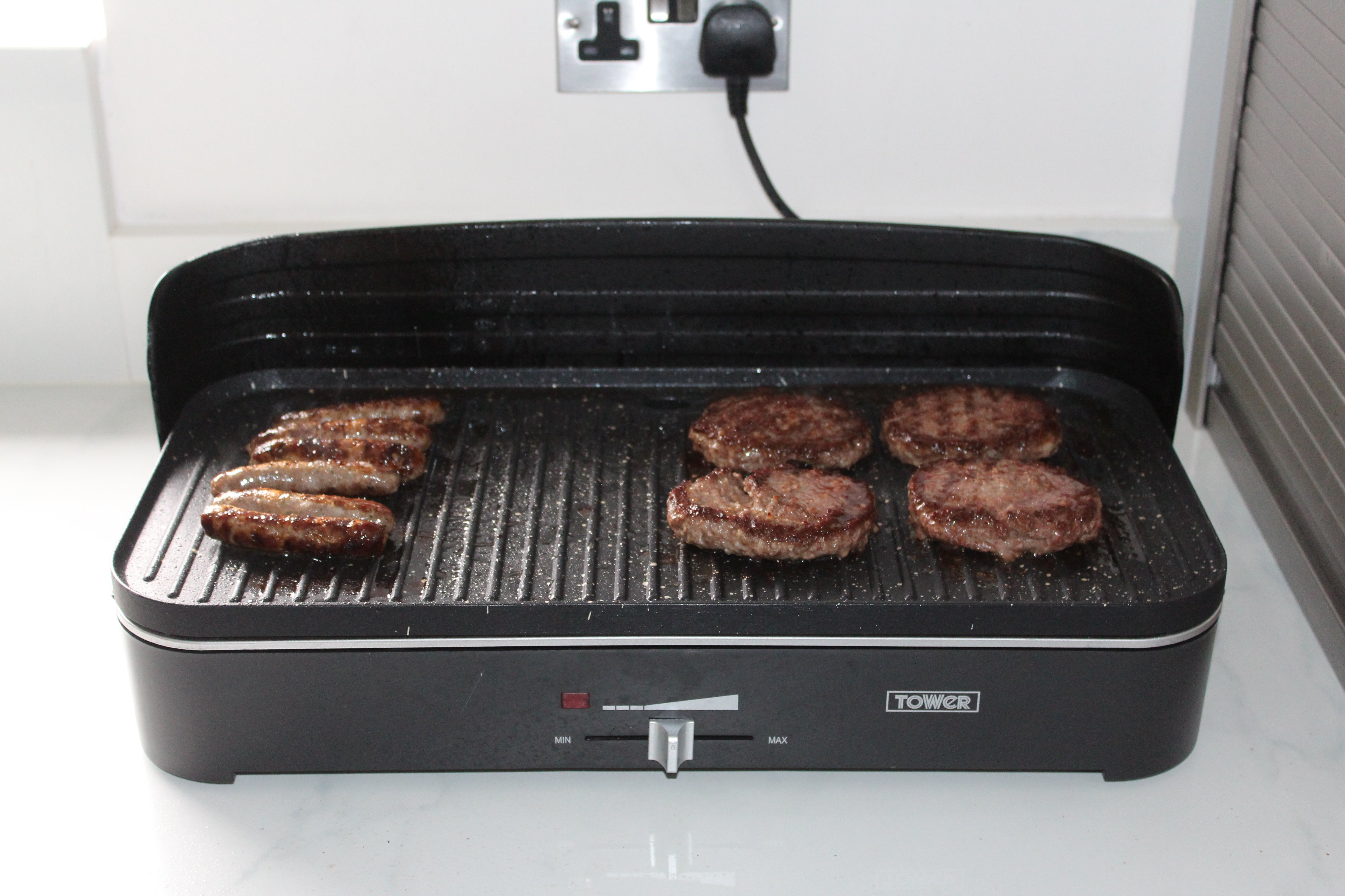 Tower T14028 Indoor Outdoor Electric Barbecue Grill Review