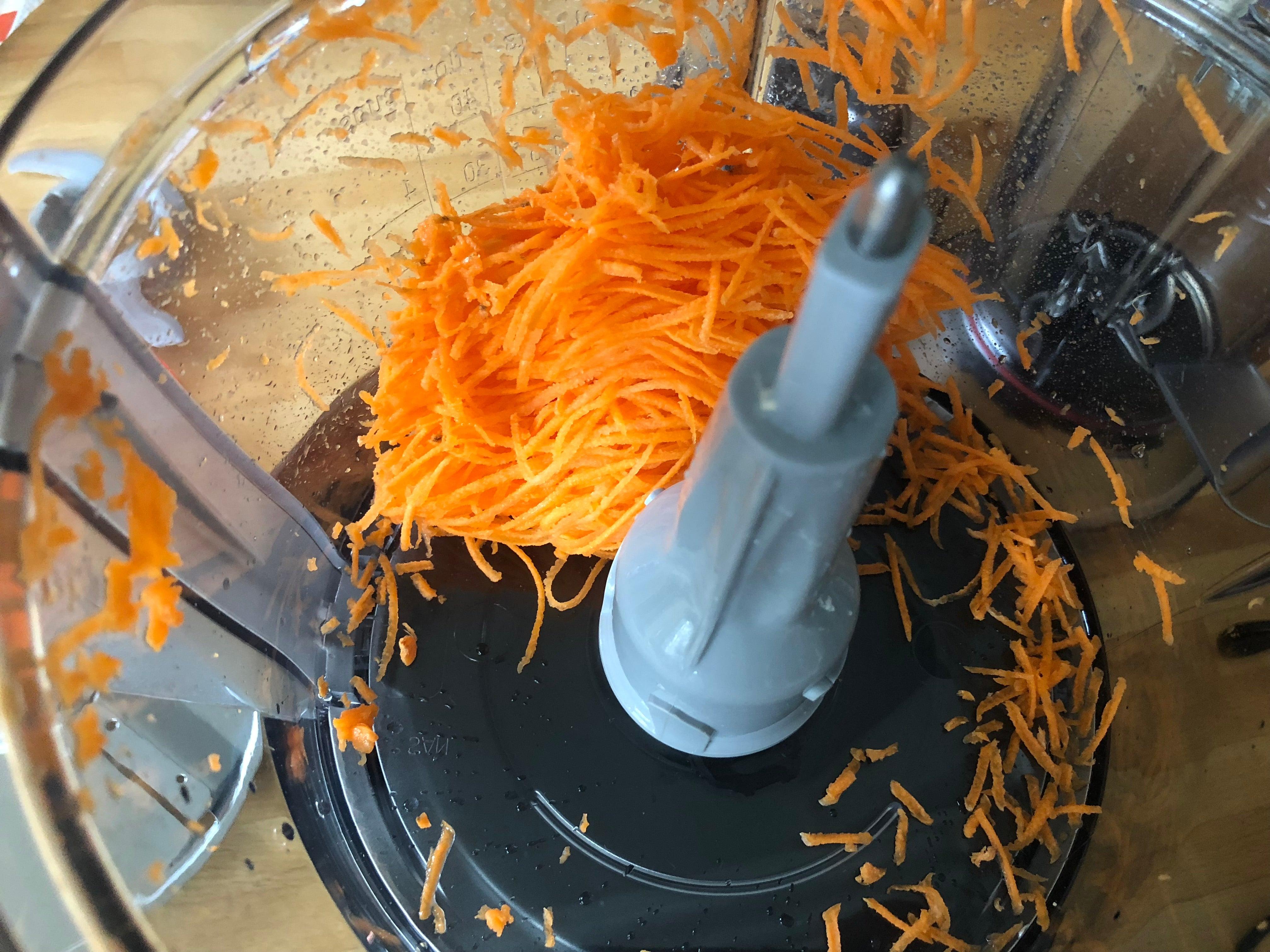 Bosch MCM3501MGB Food Processor grated carrot