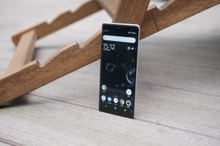 Sony Xperia XZ3 standing