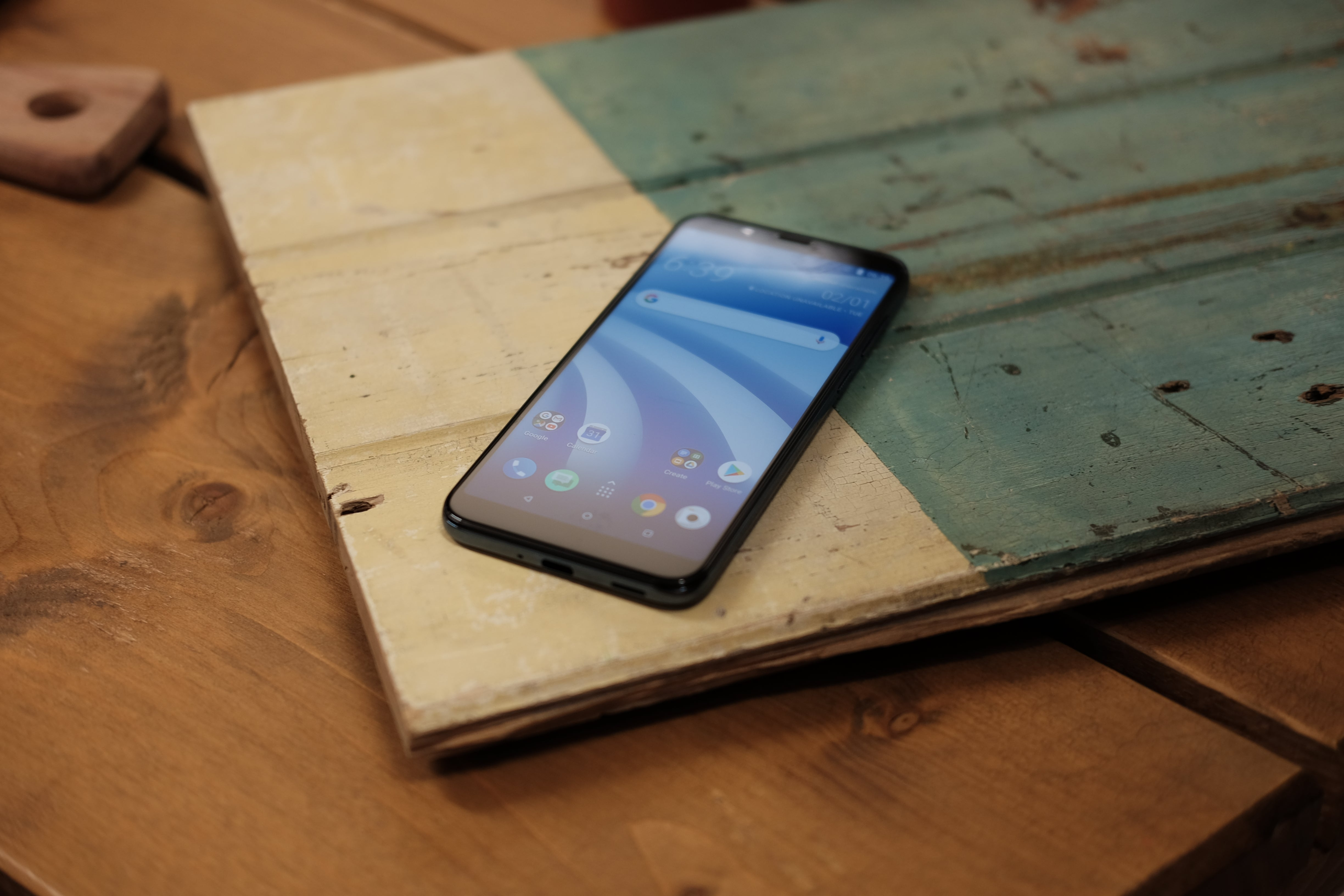 HTC U12 Life review: Flagship features for £299? | Trusted