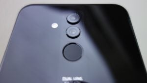 Huawei Mate 20 Lite in black camera perspective shot
