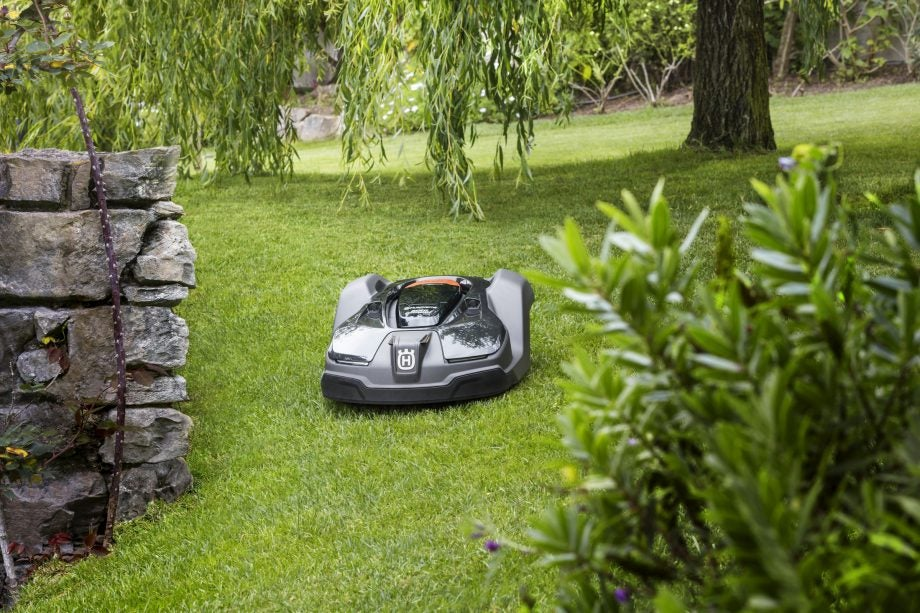 Husqvarna Automower 450X Review | Trusted Reviews