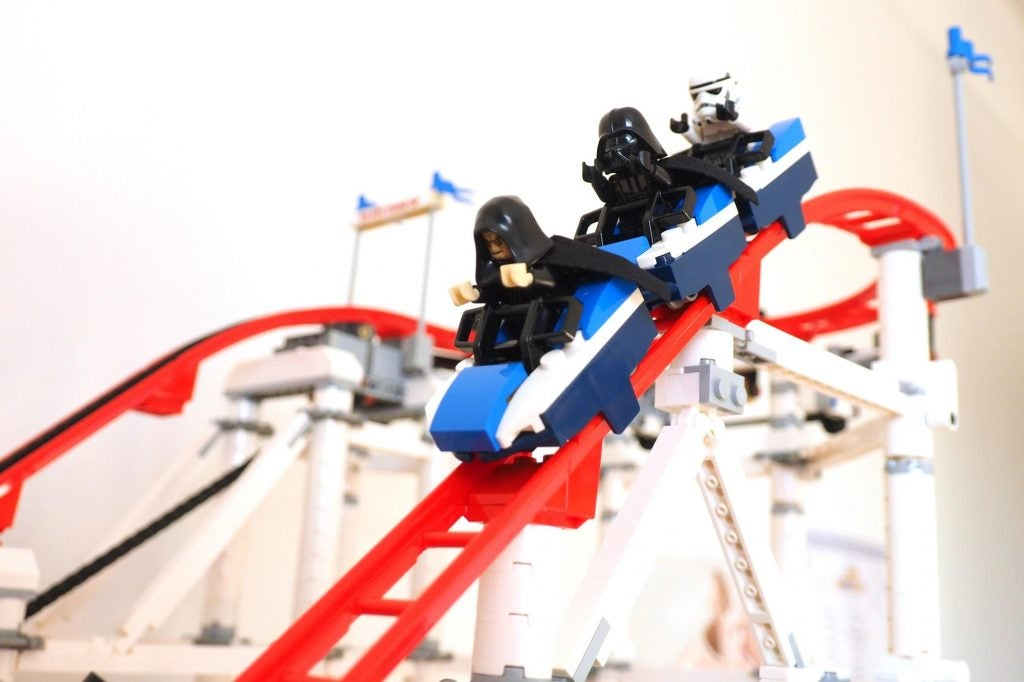 lego creator expert roller coaster review trusted reviews. Black Bedroom Furniture Sets. Home Design Ideas
