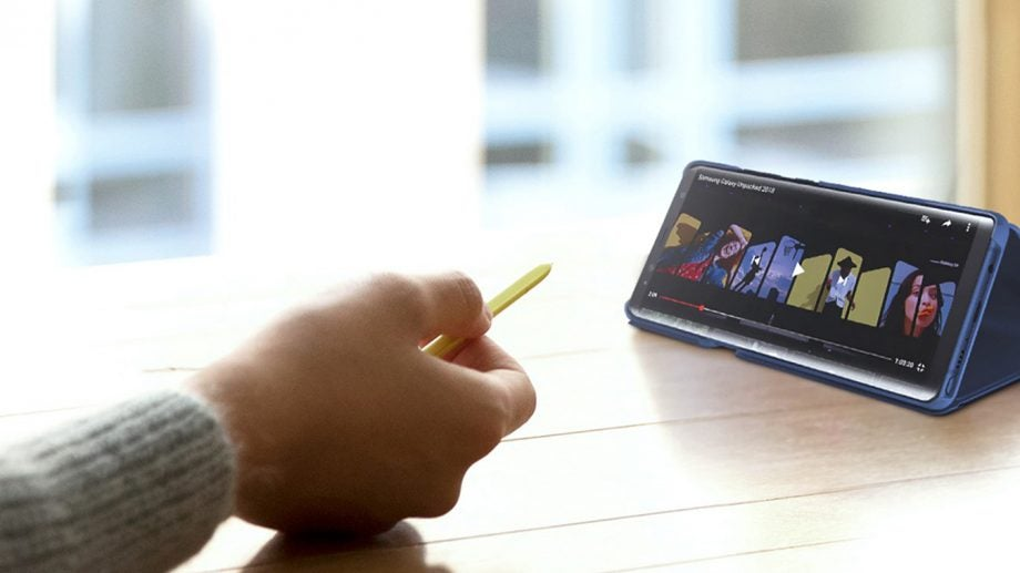Samsung Galaxy Note 9 S Pen presentation lifestyle press image