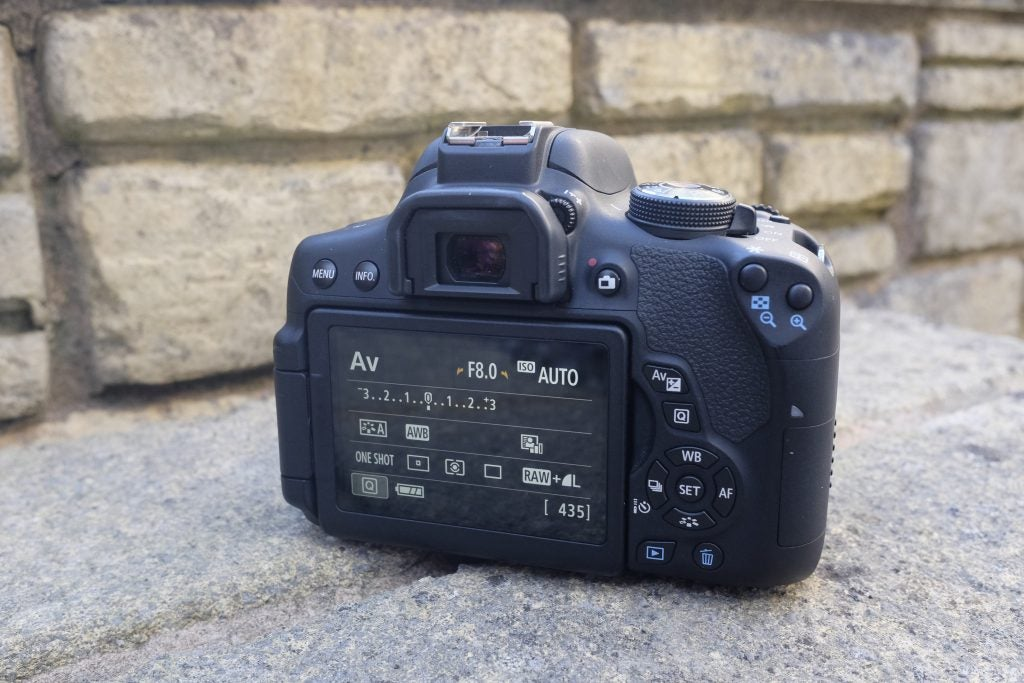canon 750D features