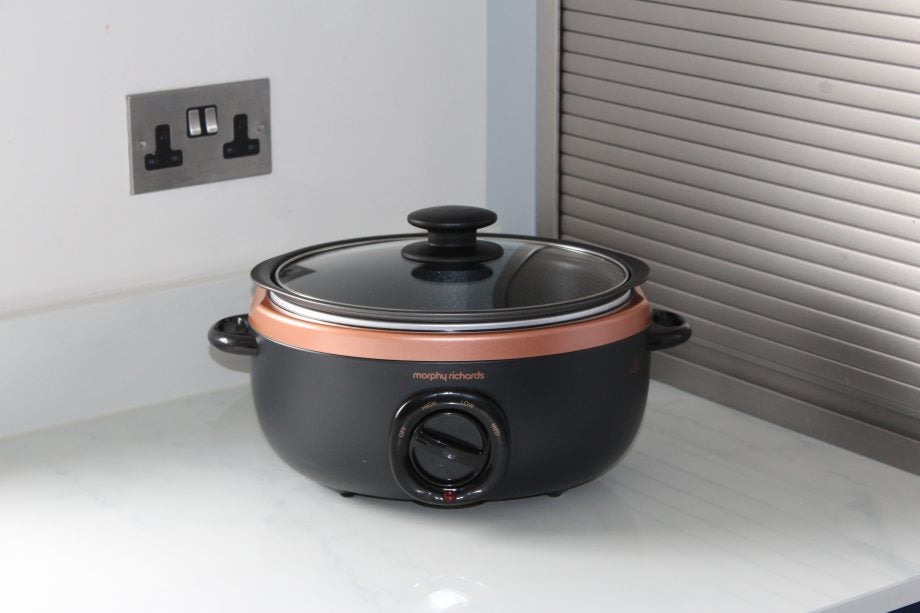 eeca16efec8 Morphy Richards Sear and Stew Rose Gold Slow Cooker 3.5L 460016 Review