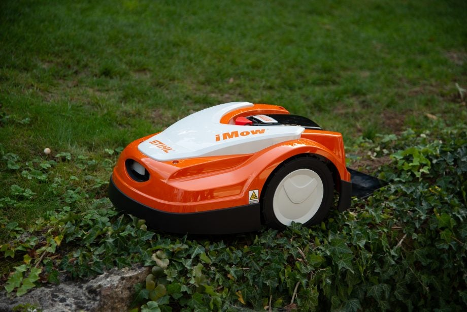 Stihl GCI 100 with robot lawnmower