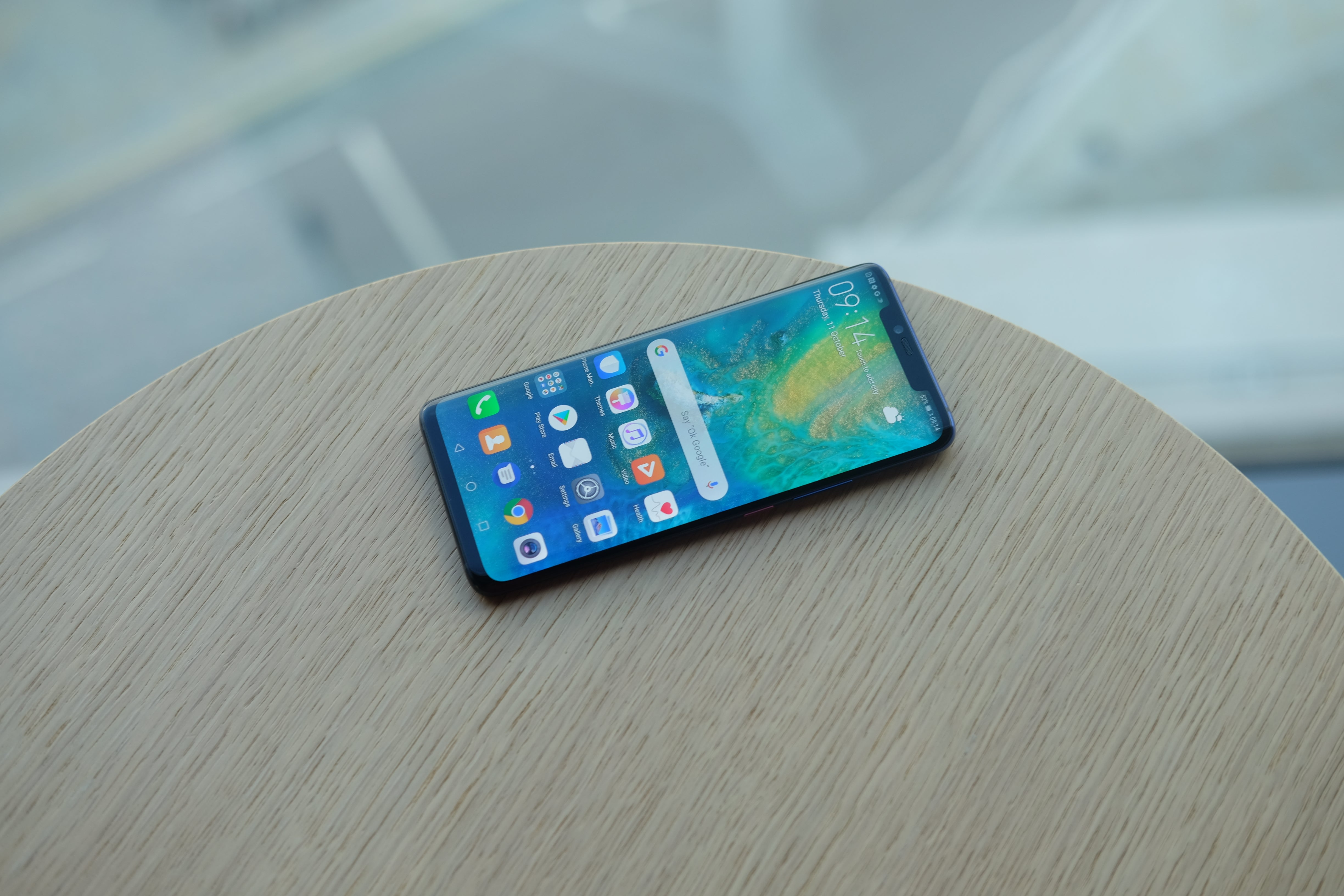 Huawei Mate 20 Pro users can still install Android Q − but hold off