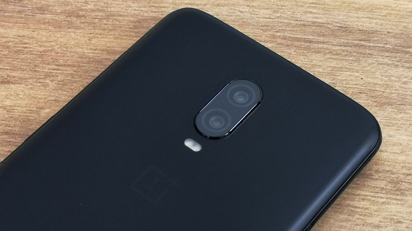 OnePlus 6T camera closeup
