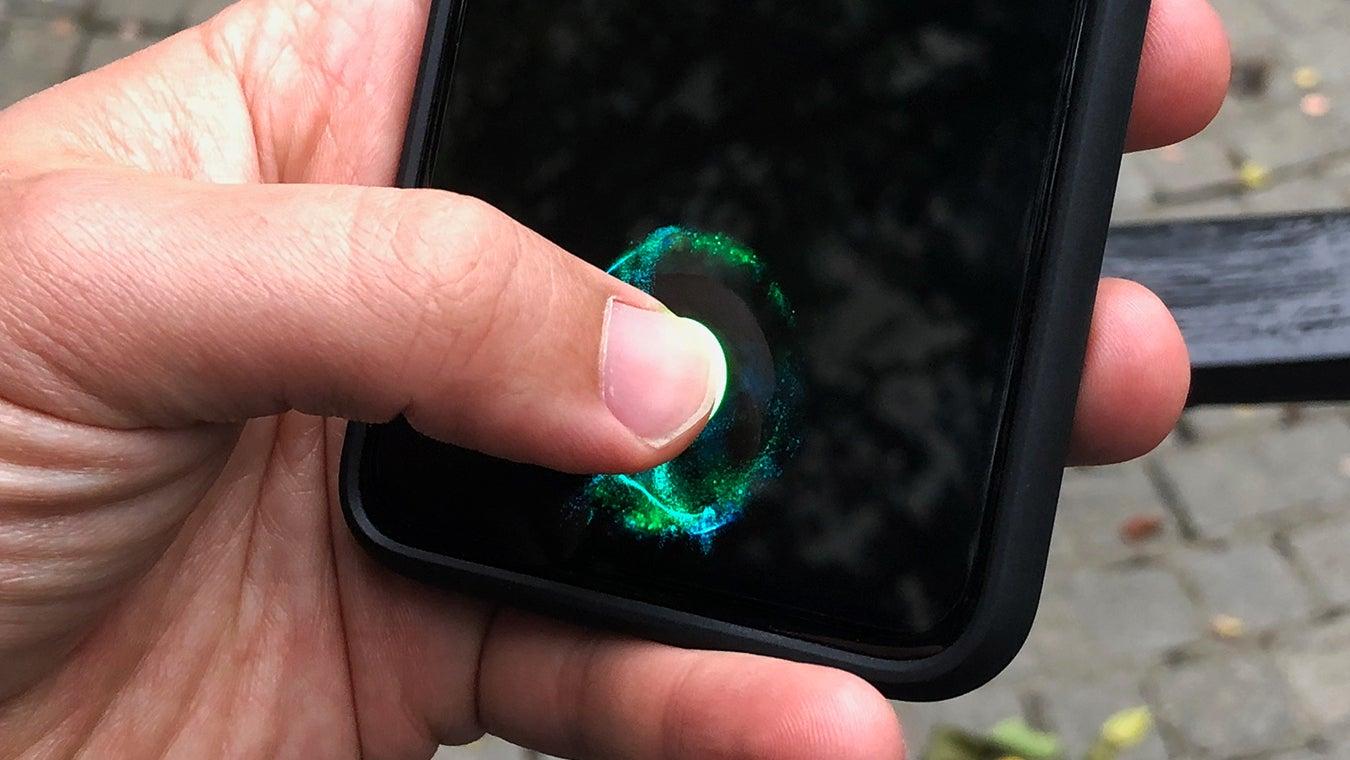 OnePlus 6T датчик отпечатков пальцев