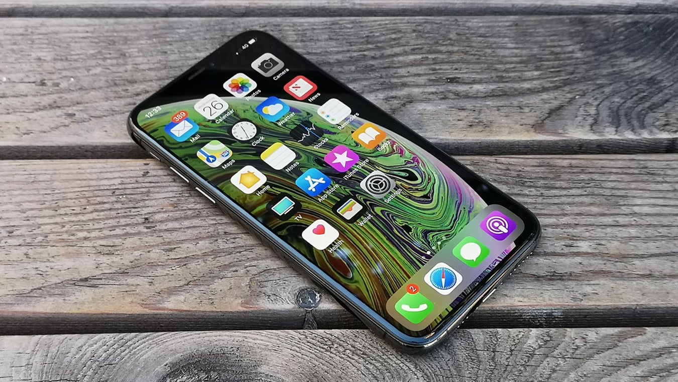 Iphone Xs Review Trusted Reviews Soft Case Emerald Black Berry Bb Aurora Jacket Smooth Touch Dove 3 4 View On Wood