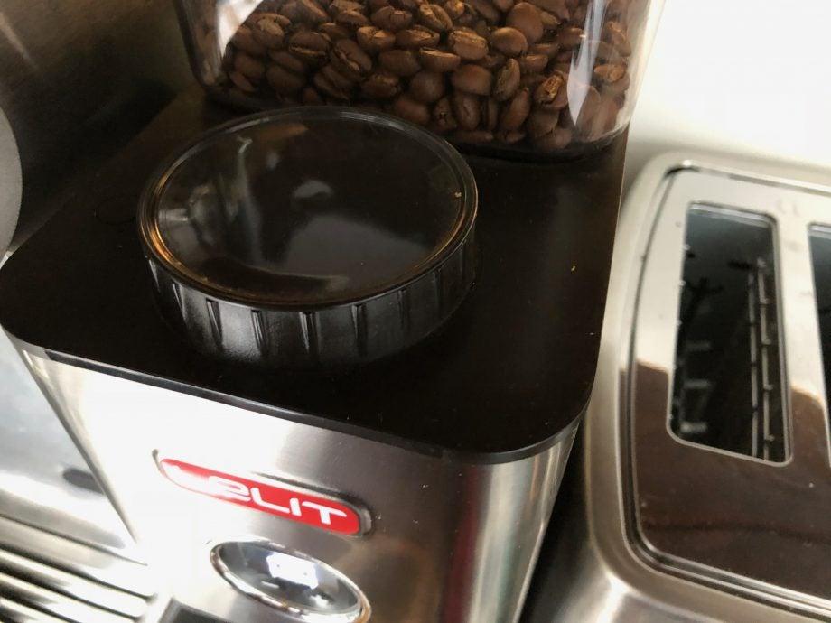 Adjust a coffee grinder settings